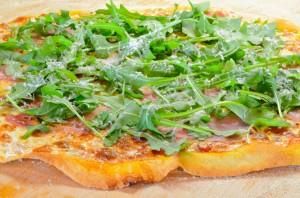 Semolina Pizza with Prosciutto & Arugula